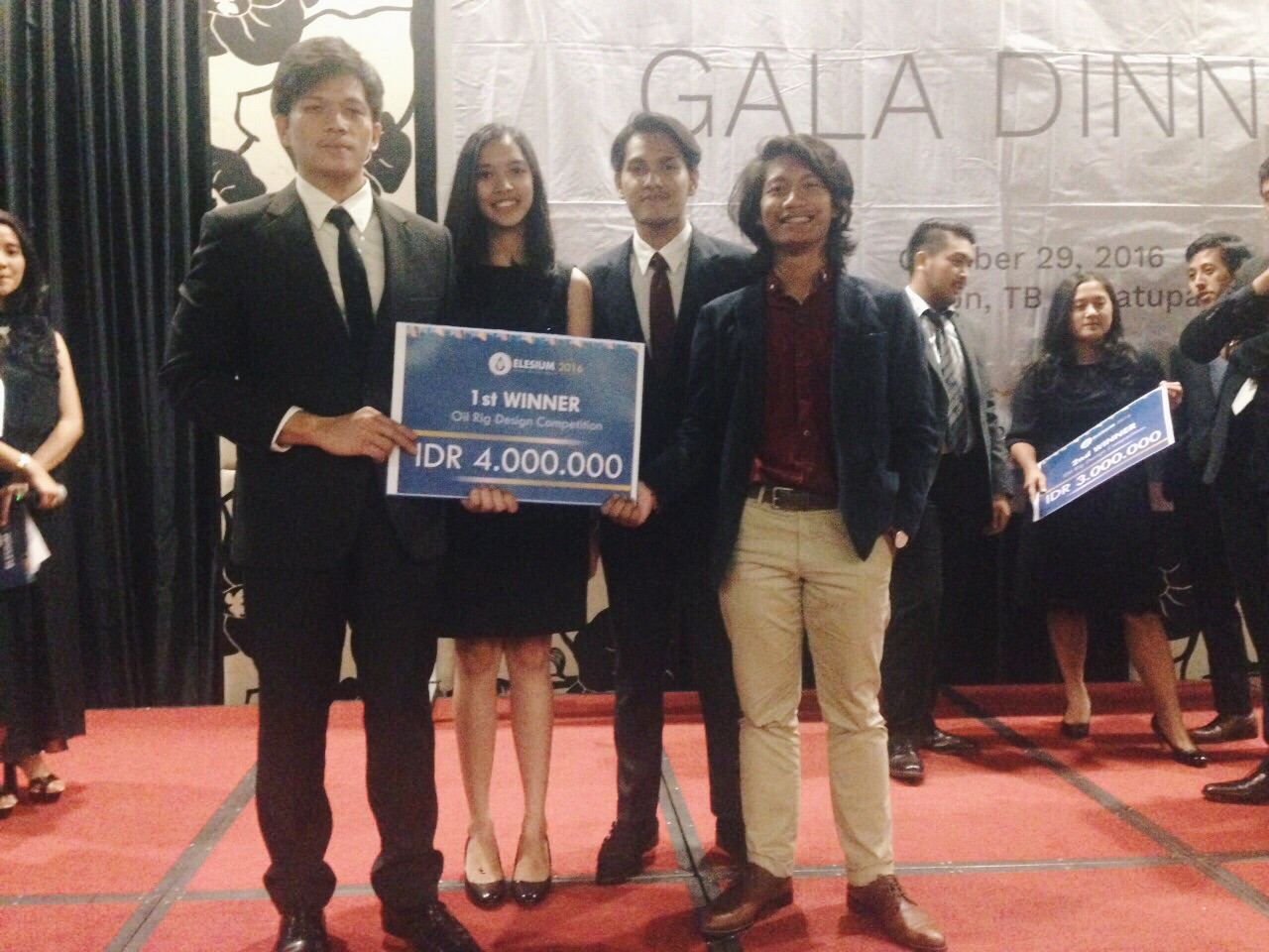 Pemenang I Lomba Elesium 2017 Oil Rig Competition 2016