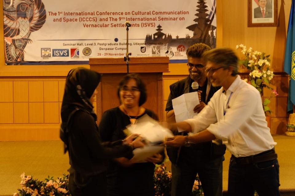 Best Paper Award: Indah Widiastuti & Feni Kurniati